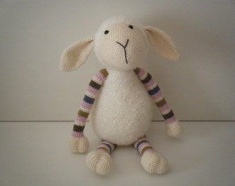 Susie, the cuddly sheep - crochet sheep - stuffed toy - Stip en haak