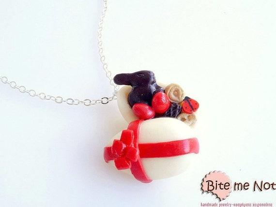 Mini Food White Chocolate Stuffed Egg Necklace, Easter Jewelry, Miniature Sweets, Easter Gifts, Kawaii Jewelry, Cute Jewelry