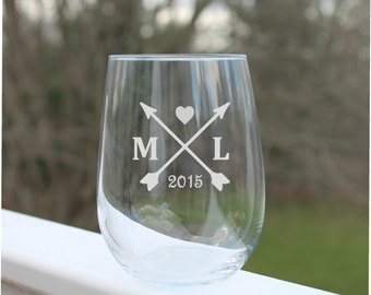 personalized wine glasses, Etched Stemless wine glasses, arrow, Wine Glasses, Monogram wine glass, Wine Glass, Etched - 17oz, Wine Glass