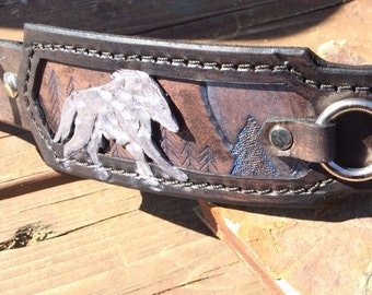 Wolves at Play Hand Tooled Leather Dog Collar (Blue Detailing)