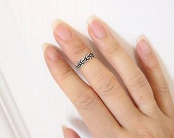 Sterling Silver flower toe ring, flower midi ring, simple, stylish, silver toe ring, cute toe ring, summer item