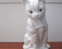Vintage 1980s House of Lloyd Miss Kitty White Porcelain Cat Figurine or Small Statue