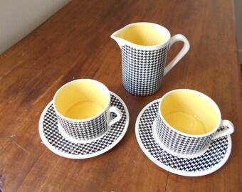 French tea set, coffee set, déjeuner set Salins France, pied de poule patterns, black and yellow geometric decor.