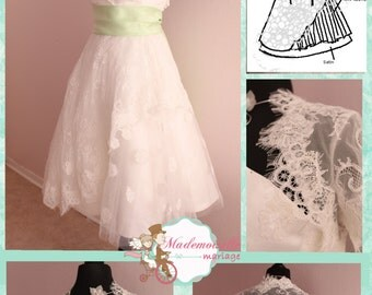 tea Length two Lace Wedding Dress heart shaped Neckline and buttons Back retro vintage inspired - Short Lace Wedding Dress