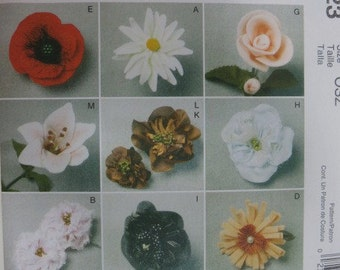 McCalls 6523 Uncut Sewing Pattern Fabric Flowers - Fashion Accessories