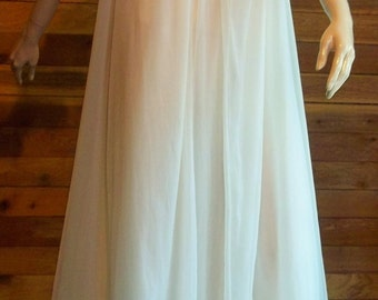Vintage Lingerie 1950s WARNER'S Ivory Size 32 Nightgown and Robe Set