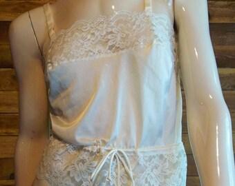 Vintage Lingerie 1960s HENSON KICKERNICK Beige Camisole Size 32