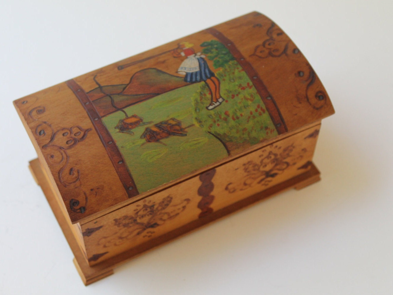 wooden hand painted folk art jewelry box small wood dutch. Black Bedroom Furniture Sets. Home Design Ideas