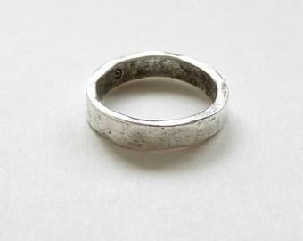 1 Nunn Design Antique Silver Hammered Ring Size 6, Hammered Ring, Nunn Silver Ring CHM0088