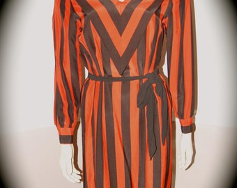 80's RED and Black Chevron V front Long Sleeve Dress by Cinnamon size m/L