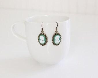 Victorian Lady Green Earrings