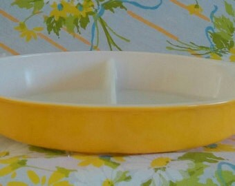 Vintage Pyrex Yellow Daisy Divided Dish No lid