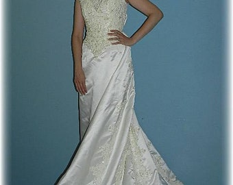 Vintage Sleeveless Designer Wedding Dress with Detachable Train