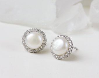 E302N523  Pearl Bridal Earrings, Bridal Earrings Studs, Pearl Jewelry, Wedding Accessory, Mother of the Bride gift, Bridesmaid earrings