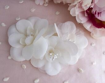 silk flower comb, silk flower barrette, silk flower hair clip, bridal comb, bridal barrette, silk flowers hair