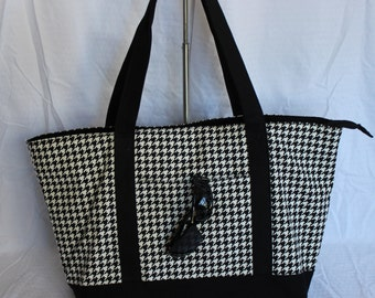 MEDIUM or LARGE Monogrammed  Houndstooth Tote/ Overnight Bag/Weekend Tote/Beach Bag/ Gift Idea!
