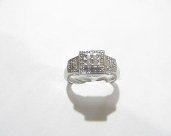 Beautiful Diamond Sterling Silver / Platinum Plated Filigree Ring