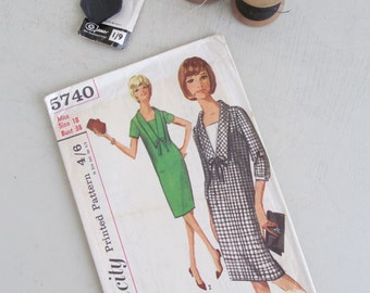 Vintage 1960s Simplicity sewing/dressmaking pattern~One-piece dress with detachable cuffs~Design inspiration~Mid-century chic! (S5740)