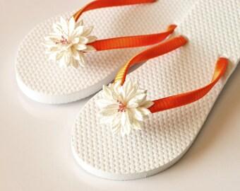 Flower Girl Flip Flops, flower girl sandals,lace flip flops, WEDDING Flip Flops, Bridesmaid Flip Flops, Bridesmaid Gifts, Beach Wedding