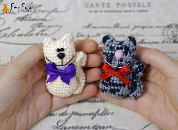 Cat Brooch, crochet pin, animal brooch, cat lover gift, children jewelry, funny brooch, animal pin
