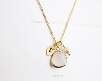 Personalized White glass and pearl necklace in gold,  Teardrop necklace, Initial necklace, Bridesmaid gift, Wedding necklace, Bridesmaid set