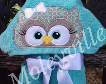 Hooded Baby Towel, Personalized Owl Towel, Baby Shower Gift, Toddler Hooded Towel, First Birthday Gift