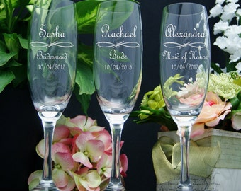 Wedding Champagne Flutes / Personalized Bridesmaids Gifts / Engraved Wedding Glasses / Bridesmaid Champagne Glasses / Maid of Honor Gift