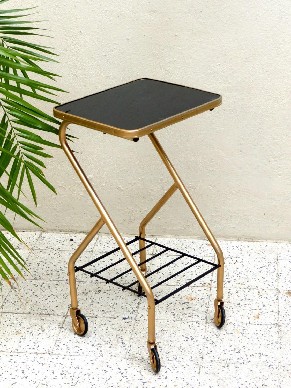 table porte revues vintage haute juice. Black Bedroom Furniture Sets. Home Design Ideas