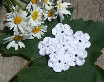 Crocheted flowers applique Set of 6 flowers Decorative flowers Gift decorations White flowers  Wedding decorations