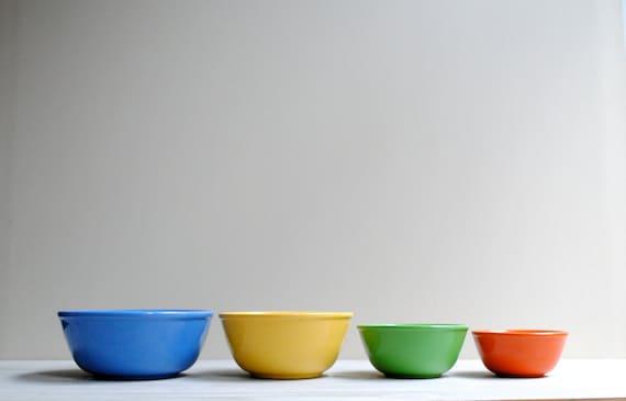 vintage ceramic mixing bowl set oxford ware by littledogvintage. Black Bedroom Furniture Sets. Home Design Ideas