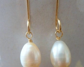 Pearl Drop Dangle Earrings, White Pearl Drop, Gold Earrings, Bridal Earrings, Handmade Earrings, Genuine White Pearl, Bridal Earrings