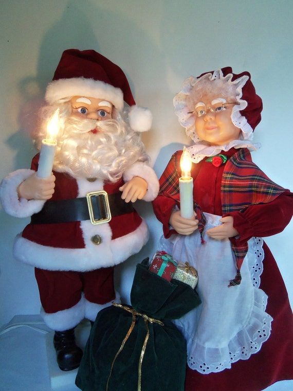 Large animated motion santa and mrs claus lighted