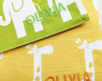 Personalization - Embroider a name on your placemat