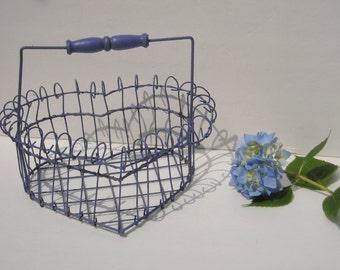 Vintage WIRE HEART BASKET, Wire basket, Planter, Wire Planter, Egg basket, Basket, Heart Basket, Heart, Shabby Chic Basket, Lavender decor