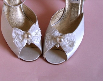 Sale! Wedding Shoe Clips,White Silk Bows, Handmade from Vintage Ribbon