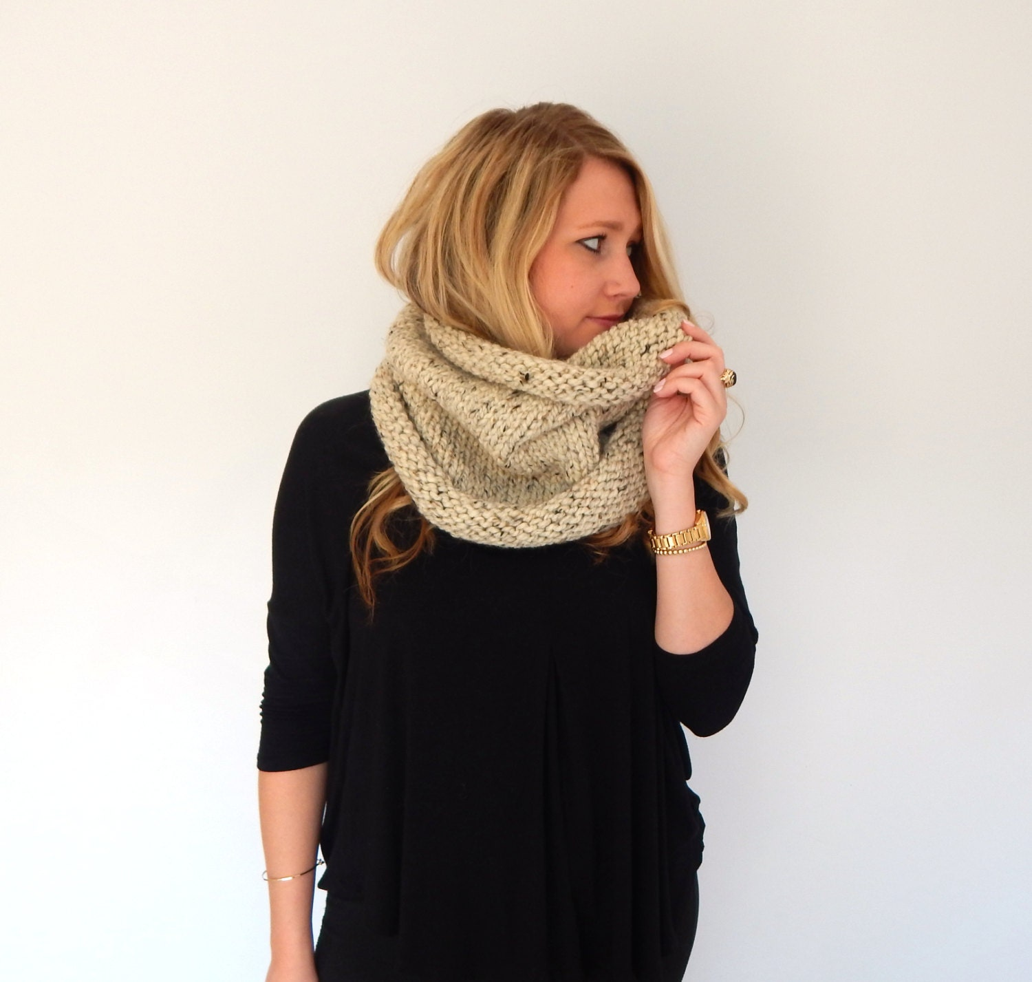 how to wear a cowl neck scarf