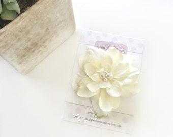 Ivory Flower Clip, SWAROVSKI Pearl Clip, Ivory Hair Flower, Hair Accessories for Women, Girls Hair Accessories, Hair Clip for Girls