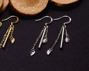 CLEARANCE earrings small silver leaves