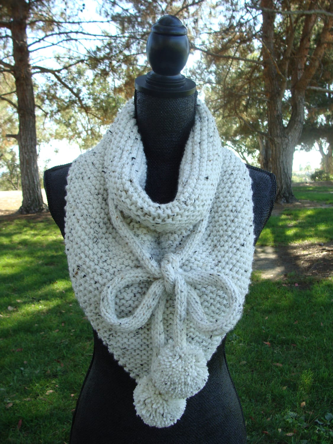 Free Knitting Patterns For Beginners Baby Blanket : PATTERN 92: Chunky Knit Bandana Scarf with Pom-poms