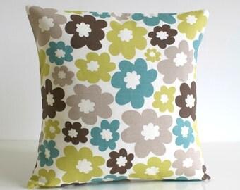 Decorative Pillow Cover, Green Pillow Cover, Scandi Cushion Cover, Scandinavian, Pillow Sham, Floral Throw Pillow - Nordic Daisy Pistachio