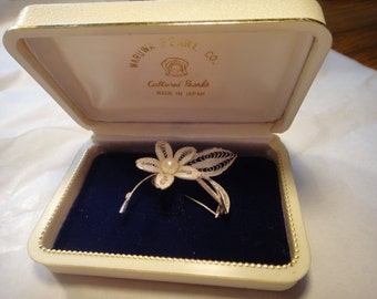 Vintage MARUWA Cultured Pearls and Silver Flower Brooch with original box
