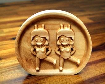 "Wooden Dancing Twins Emoji (5.0"")"