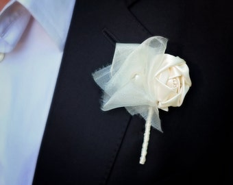 Ivory Boutonniere | Fabric Flower Boutonniere | Wedding Boutonniere | Groom's Boutonniere | Shabby Chic Boutonniere | Rustic Wedding