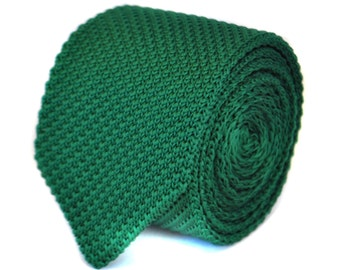 skinny plain dark green knitted tie with pointed end by Frederick Thomas FT1858