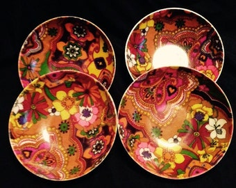 Vintage 60's fiberglass bowls  set of 4
