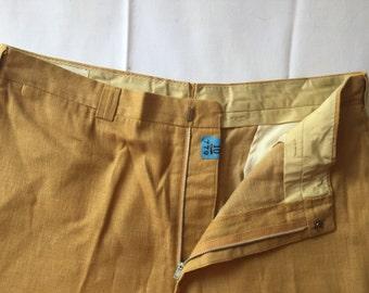 SALE ** Vintage Men's Tan Linen Shorts ** SALE