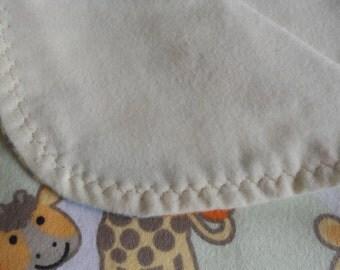 Giraffe baby blanket,Flannel baby blanket, flannel baby blanket, Receiving blanket, Baby gift.