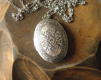 Antique silver fashion trend personality palace flower locket necklace jewelry bridesmaid gift