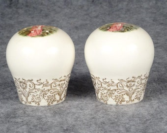 Salt & Pepper Shakers Ceramic Colonial Picture