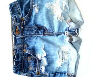 London Style Distressed Jean Cutoff Shorts